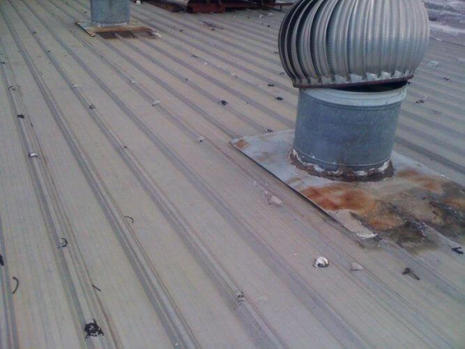 Dịch vụ chống dột mái tôn tại TpHCM